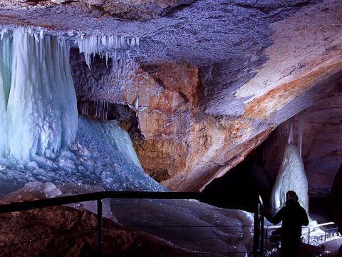 Dachstein ledové obří jeskyně